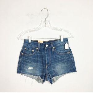 Levi's 501 NWT hi rise distressed denim shorts 24